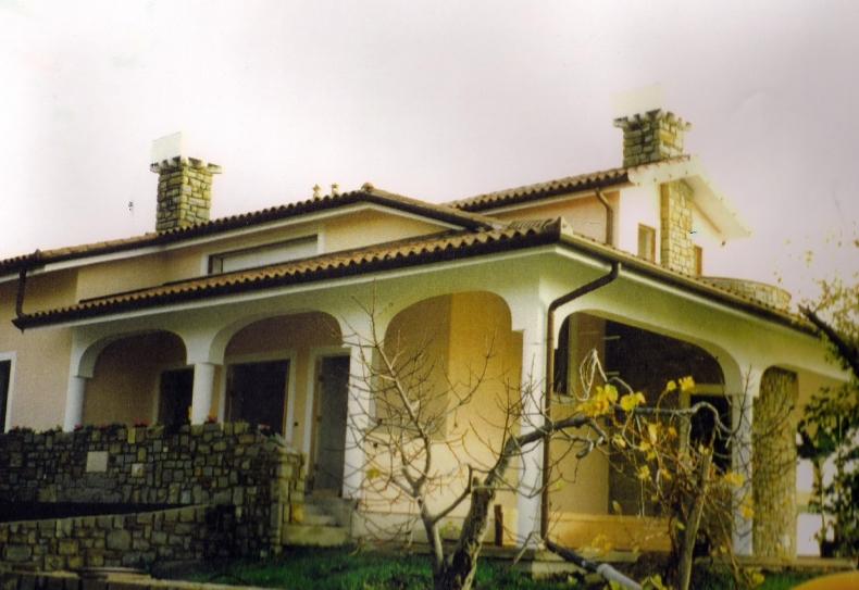 gradbenistvo-milanic-fasada-hiše-na-debelem-rtiču