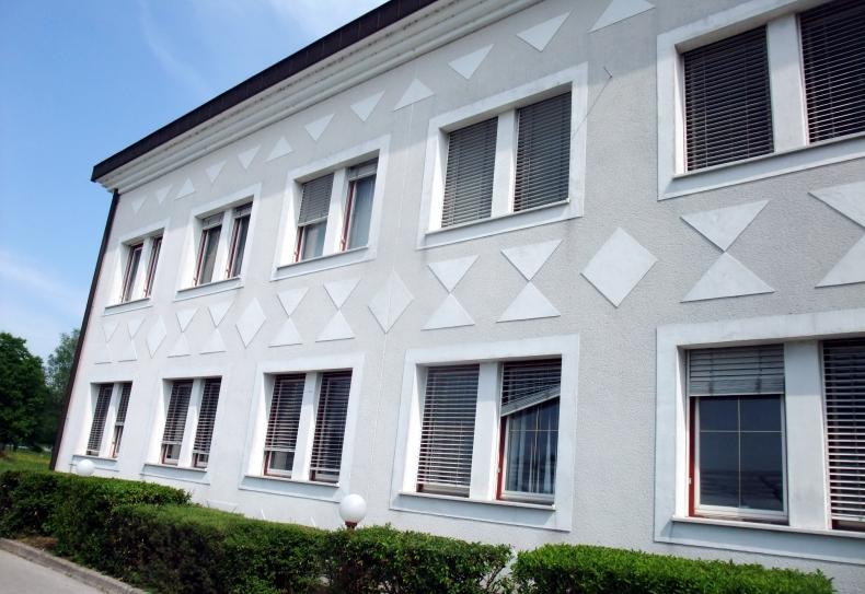 v fazi izdelave fasade