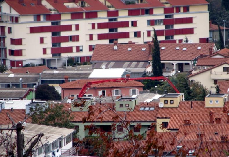 stanovanjski blok inka izola