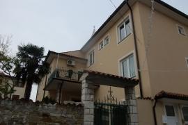 Fasada župnišča v Izoli