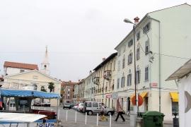 prenovljene fasade celotnega mandrača