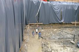 naprava zaščite obodnih sten izkopa