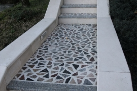 zunanje stopnice z venecian tlakom