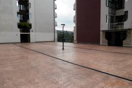 Ploščad nad gražami v Luciji