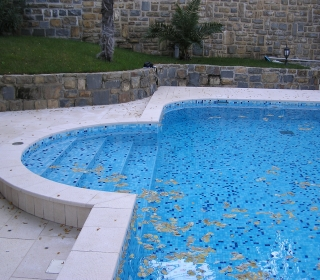 kamniti tlaki in rob bazena