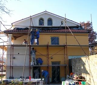 izvajanje zaključnega sloja na fasadi