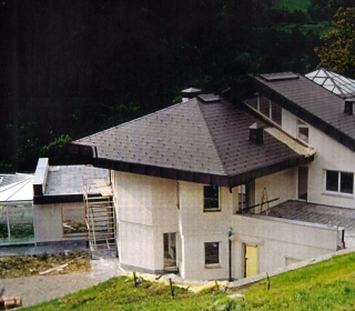 fasadna obloga na razčlenjeni fasadi