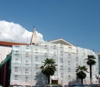 fasada Verdijeva 2 v delu